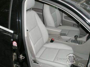 Перетяжка сидений и дверных вставок Audi A4 (Ауди А4) натуральная кожа