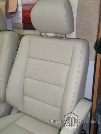 Перетяжка сидений натуральной кожей Lexus LX (Лексус)